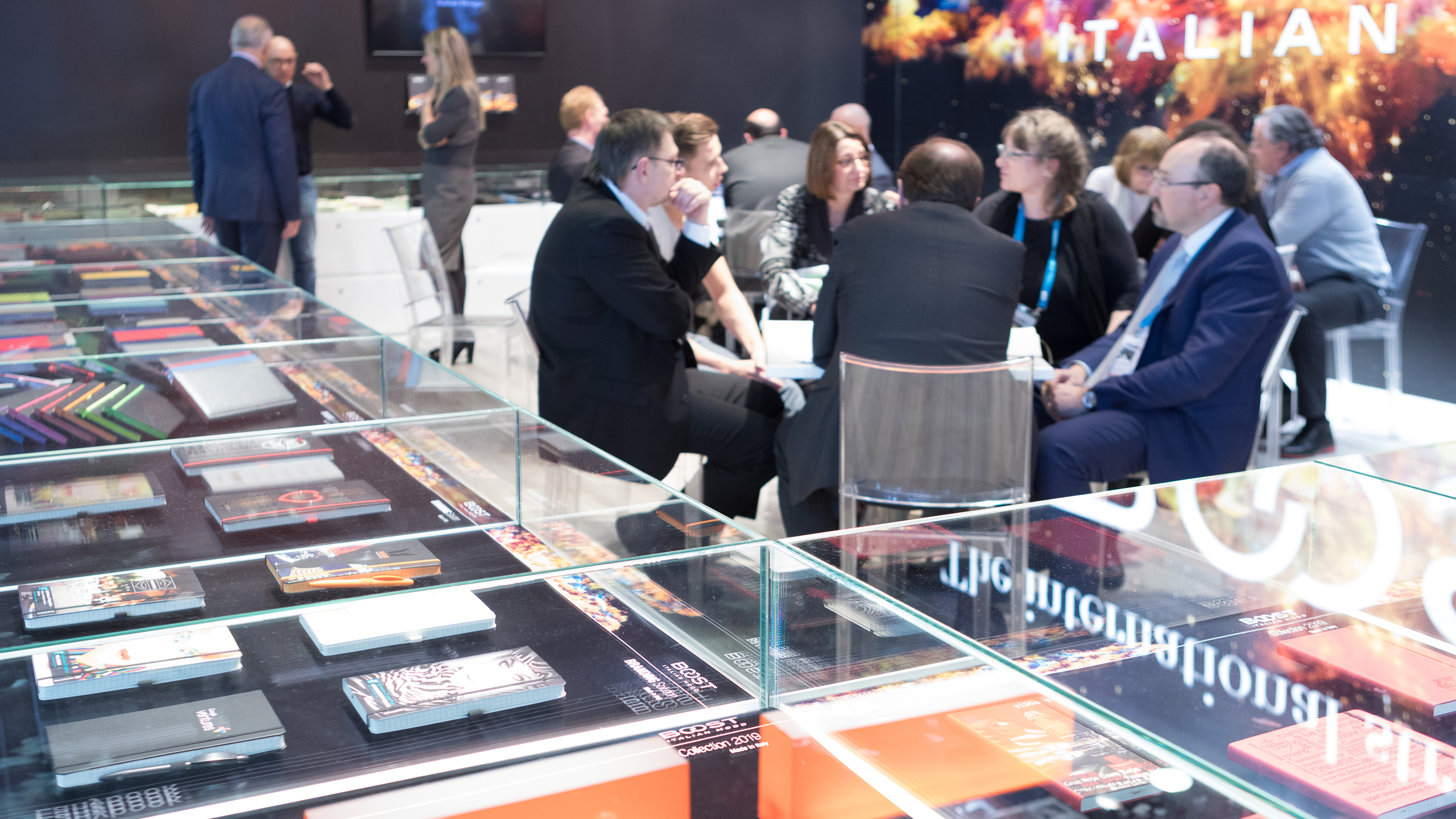 Sales talk at a booth at Paperworld