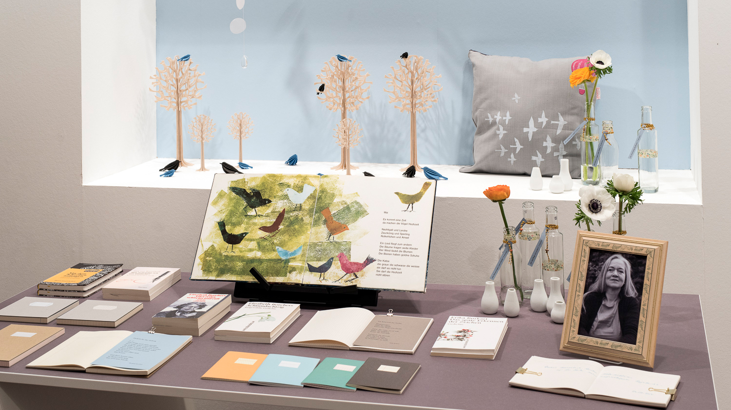 "Presentation table at the special show ""Mr. Books & Mrs. Paper """