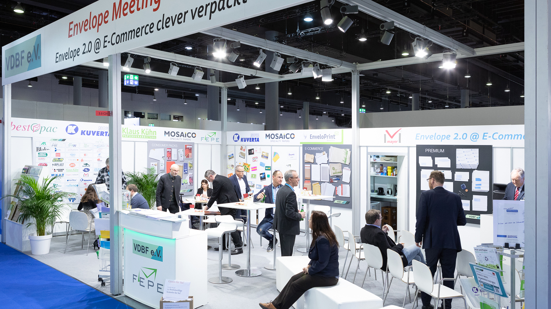 The New Envelope Area with visitors of the Paperworld 2020